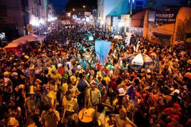 1394413485-block-party-and-street-carnival-in-porto-alegre_4145152